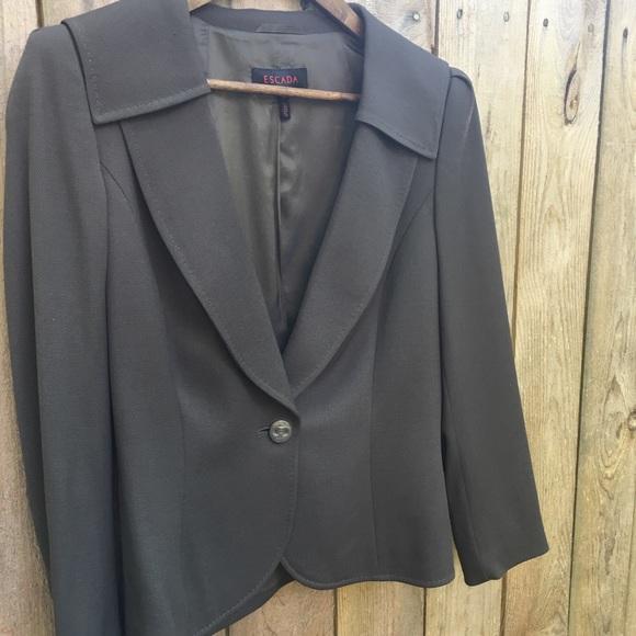 Escada Jackets & Blazers - Escada Lightweight Wool Blazer sz 40 EUR/ 10 US